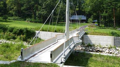 自定式吊り橋