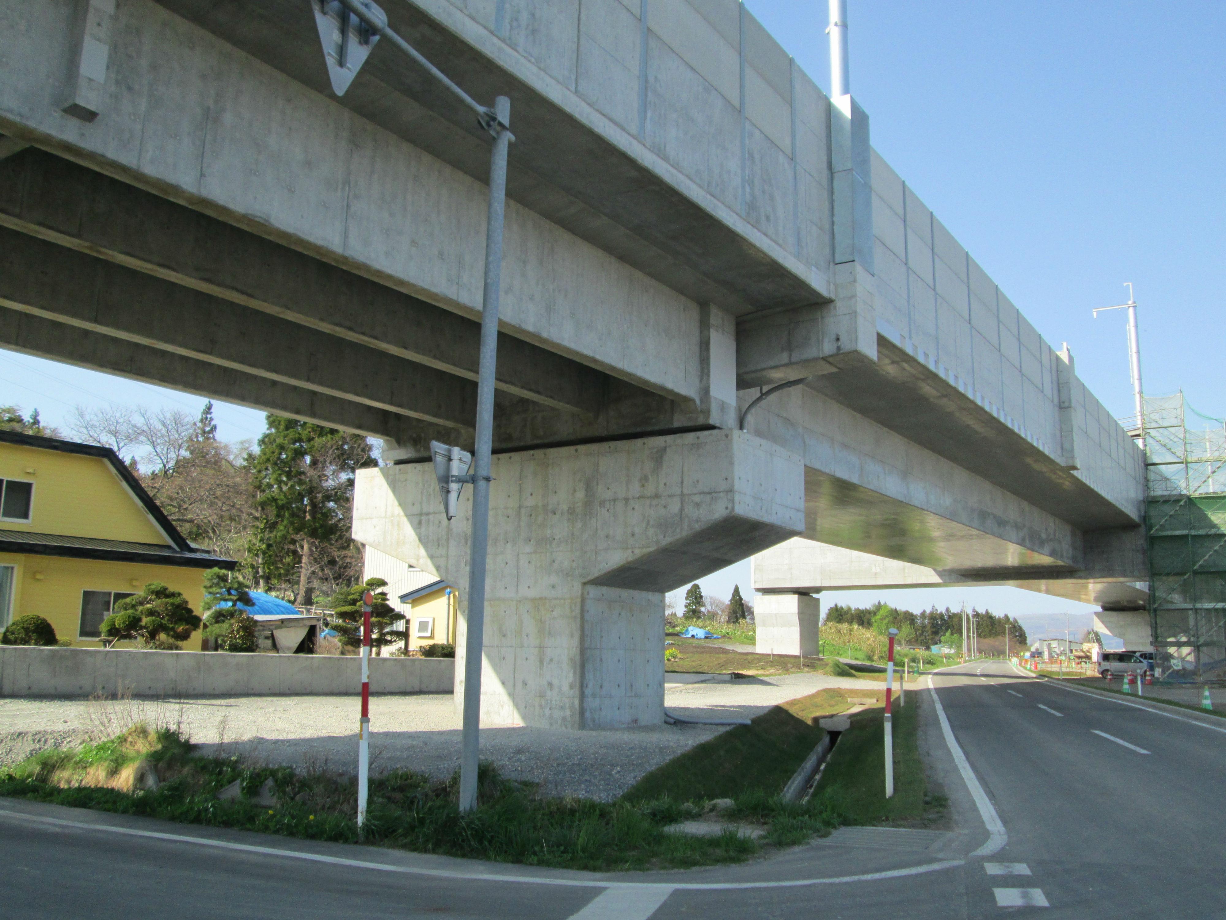 道路交差部の特殊橋梁