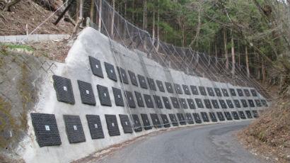 既設擁壁補強と落石対策計画